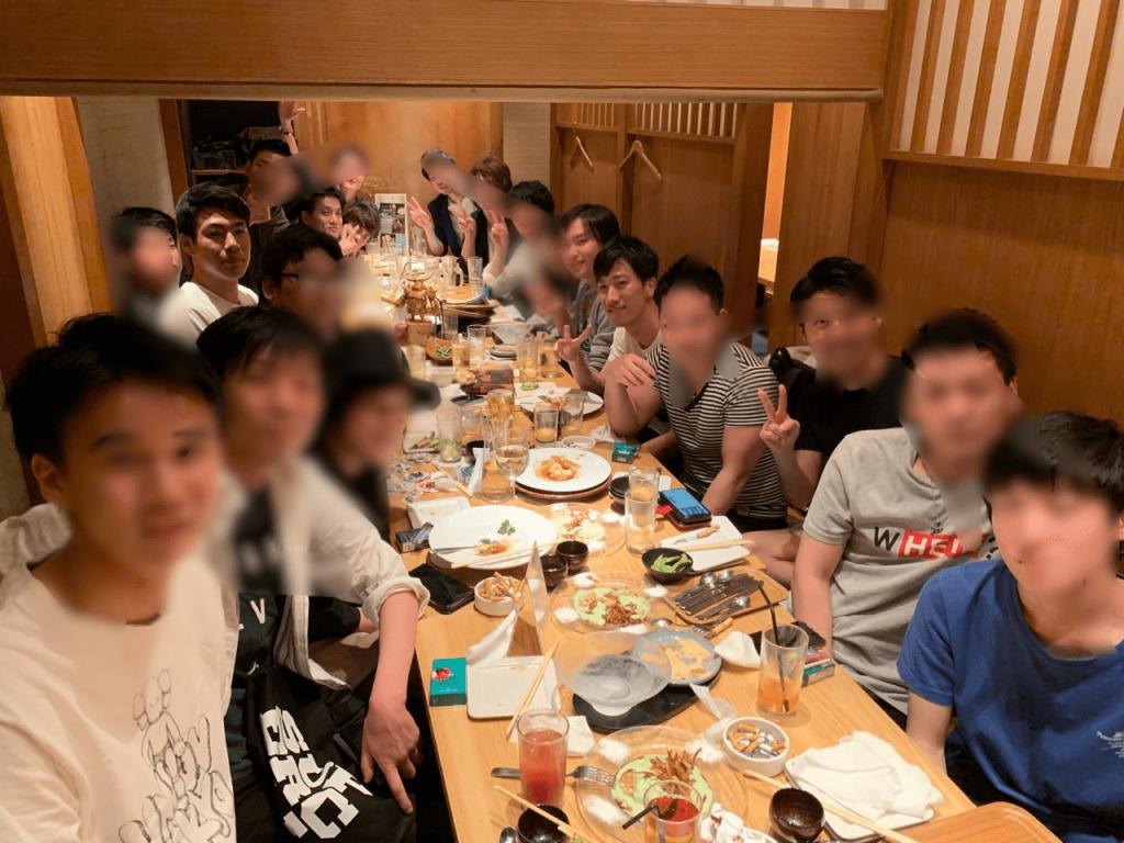 筆者・yuudaiがクラクラを通じて出会ったチームメンバーとのオフ会写真。